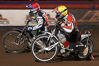 Heat 11: Edward Kennett (red) and Billy Forsberg (yellow) - Lakeside Hammers vs Belle Vue Aces at The Arena Essex Raceway, Lakeside - 10/09/08 - MANDATORY CREDIT: Rob Newell/TGSPHOTO