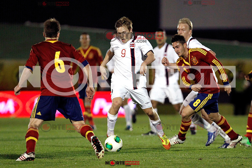 Spain's Illarramendi (l), Koke and Norway's Svensson during an International sub21 match. March 21, 2013.(ALTERPHOTOS/Alconada) /NortePhoto