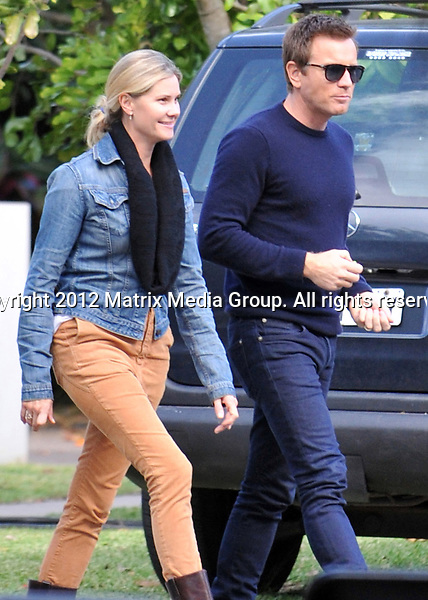 2 MAY 2013 SYDNEY AUSTRALIA ..EXCLUSIVE ..Ewan McGregor pictured leaving the set of a TV commercial being filmed on the northern beaches of Sydney....*No internet without clearance*.MUST CALL PRIOR TO USE ..+61 2 9211-1088.Matrix Media Group.Note: All editorial images subject to the following: For editorial use only. Additional clearance required for commercial, wireless, internet or promotional use.Images may not be altered or modified. Matrix Media Group makes no representations or warranties regarding names, trademarks or logos appearing in the images.