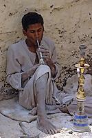 Afrique/Egypte/Env de Louxor/Ancienne Thèbes/El Go Rno: Artisan sur albâtre