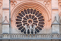 Large rose, 9.60 m in diameter, circa 1225, centre of the West façade, forming a halo above a statue of the Virgin with Child between two angels, Notre Dame de Paris, 1163 - 1345, initiated by the bishop Maurice de Sully, Ile de la Cité, Paris, France. Picture by Manuel Cohen