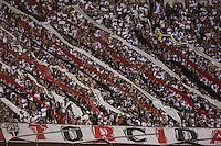 SAO PAULO, SP, 02.11.2013 - SAO PAULO X PORTUGUESA - Torcida do Sao Paulo durante partida contra a Portuguesa jogo valido pelo Campeonato Brasileiro no Estadio Cicero Pompeu de Toledo, neste sabado, 02. (Foto: William Volcov / Brazil Photo Press).