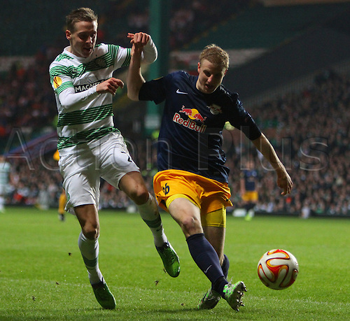 27.11.2014. Glasgow, Scotland. Europa League Group Stages Qualifying Round. Celtic versus FC Red Bull Salzburg. Martin Hinteregger holds off Stefan Johansen