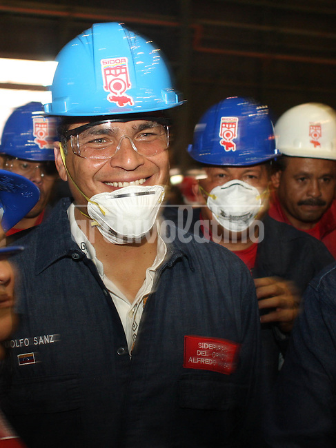 Presidents of Venezuela, Hugo Chavez, and Ecuador, Rafael Correa, during a visit to Sidor steel mill in Puerto Ordaz, a company recently nationalized by Venezuelan Government, how sized the company from their former owners, Tenaris, of Techint group.