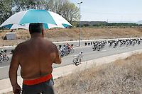 One fan looking the peloton of cyclists during the stage of La Vuelta 2012 between Logroño and Logroño.August 22,2012. (ALTERPHOTOS/Paola Otero) /NortePhoto.com<br /> <br /> **SOLO*VENTA*EN*MEXICO**<br /> **CREDITO*OBLIGATORIO**<br /> *No*Venta*A*Terceros*<br /> *No*Sale*So*third*<br /> *** No Se Permite Hacer Archivo**<br /> *No*Sale*So*third*