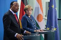 Berlin, 20130508CB026, Bundeskanzlerin Angela Merkel (CDU) und der Staatspräsident der Republik Niger, Mahamadou Issoufou, am Mittwoch (08.05.13) im Bundeskanzleramt in Berlin bei einer Pressebegegnung