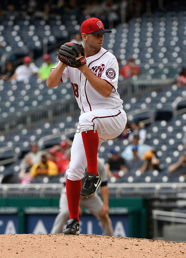 WASHINGTON DC - May 25, 2017: Jacob Turner #38 of the Washington Nationals during a game against the Seattle Mariners on May 25, 2017 at Nationals Park in Washington DC. The Mariners beat the Nationals 4-2.(Chris Bernacchi/SportPics)