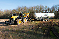 Omex Contractor filling up with liquid nitrogen <br /> &copy;Tim Scrivener Photographer 07850 303986<br />      ....Covering Agriculture In The UK....