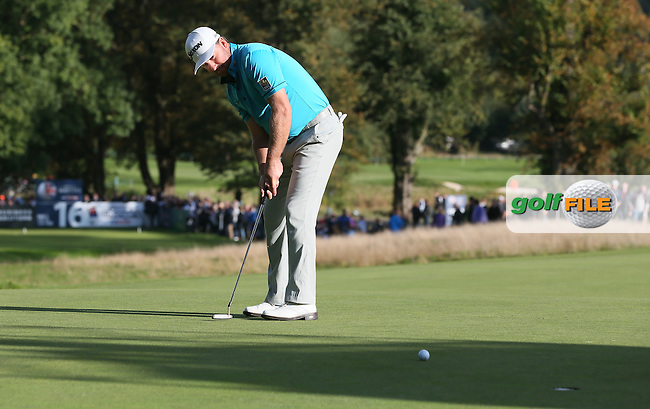 Graeme McDowell (NIR) birdies the 16th during Round Three of the British Masters 2016, played at The Grove, Chandler's Cross, Hertfordshire, England. 15/10/2016. Picture: David Lloyd | Golffile.
