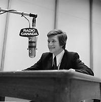 FILE -  L'humoriste Claude Landre<br /> , Radio-Canada, probalement le 13 mars 1970<br /> <br /> Photo : Alain Renaud - Agence Quebec Presse