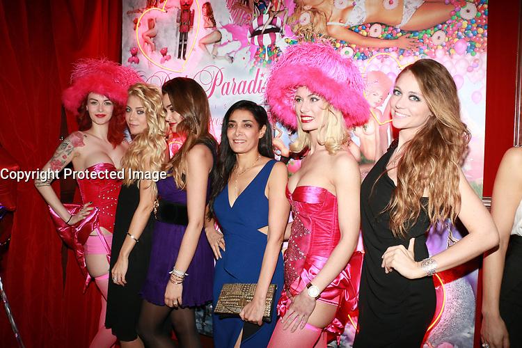 JULIETTE BESSON, ELISA BACHIR BEY & KENZA SADOUN EL GLAOUI - Soirée des 15 ans du 'Pink Paradise' à Paris, le 23/03/2017.