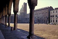 Mantova, edifici medioevali in Piazza Sordello dai portici di Palazzo Ducale.<br /> Mantua, Medieval buildings in Piazza Sordello from the Ducal Palace arcades.