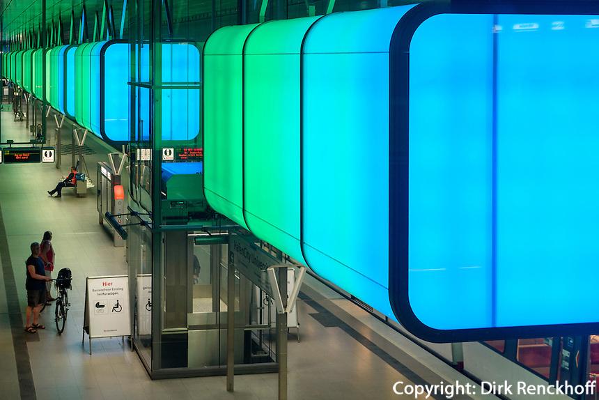 Lichtshow im U-Bahnhof HafenCity Universit&auml;t der Linie U4, Hamburg, Deutschland<br /> Lightshow in Subway-station Hafencity, Hamburg, Germany