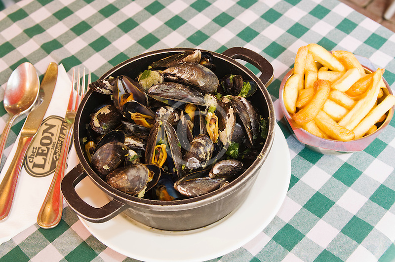 Belgium, Brussels, Mussels and frites, Belgian specialty