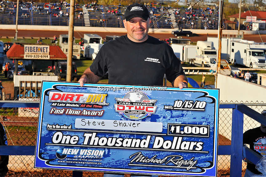 Oct 16, 2010; 5:40:34 PM;Mineral Wells,WV ., USA; The 30th Annual Dirt Track World Championship dirt late models 50,000-to-win event at the West Virginia Motor Speedway.  Mandatory Credit: (thesportswire.net)