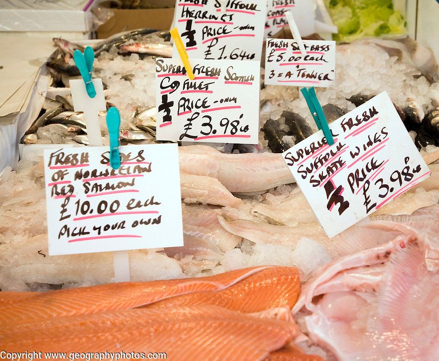 Fish on sale priced in pounds sterling and imperial pounds weight