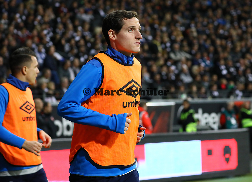 Sebastian Rudy (FC Schalke 04) wieder nur Reservist - 11.11.2018: Eintracht Frankfurt vs. FC Schalke 04, Commerzbank Arena, DISCLAIMER: DFL regulations prohibit any use of photographs as image sequences and/or quasi-video.