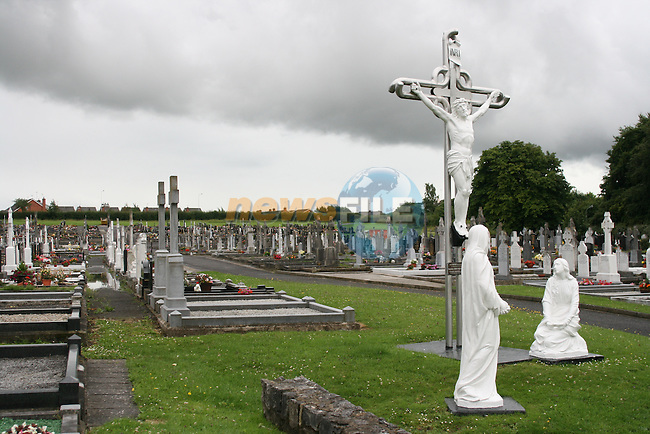 Calvary Cemetary...Photo NEWSFILE.(Photo credit should read NEWSFILE)....This Picture has been sent you under the condtions enclosed by:.Newsfile Ltd..The Studio,.Millmount Abbey,.Drogheda,.Co Meath..Ireland..Tel: +353(0)41-9871240.Fax: +353(0)41-9871260.GSM: +353(0)86-2500958.email: pictures@newsfile.ie.www.newsfile.ie.FTP: 193.120.102.198.