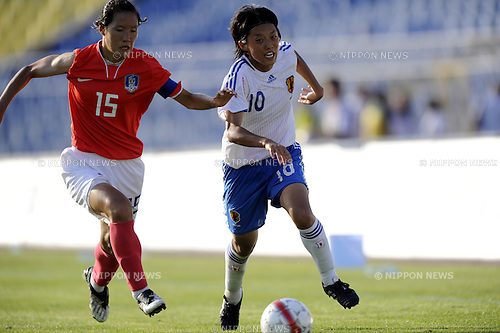 Hwang Bo-Ram (KOR), Noriko Matsuda (JPN),.JULY 10, 2009 - Football / Soccer :.The 25th Summer Universiade 2009, Women's Final match between Japan 1-4 South Korea at Partizan Stadium in Belgrade, Serbia. (Photo by AFLO SPORT)