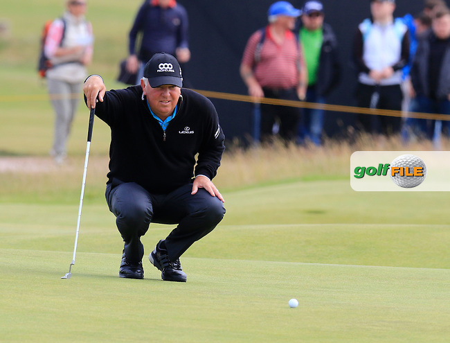 Mark O'Meara (USA) on the 14th green during Monday's Final Round of the 144th Open Championship, St Andrews Old Course, St Andrews, Fife, Scotland. 20/07/2015.<br /> Picture Eoin Clarke, www.golffile.ie