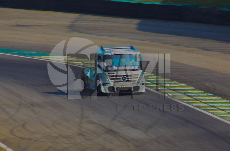 SÃO PAULO, SP, 30.07.2016 - FÓRMULA TRUCK - SEXTA ETAPA SÃO PAULO -WELLINGTON CIRINO- MERCEDES,  Imagem da classificação na tarde deste sábado a sexta etapa da Fórmula Truck, realizada no Autódromo de Interlagos, em São Paulo. O Treino classificatório ocorre na tarde de hoje e a corrida sera realizada no domingo.(Foto: Adar Rodrigues/Brazil Photo Press)