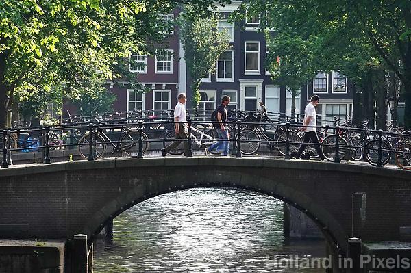 Nederland - Amsterdam - 2018. Brug in het centrum van Amsterdam.     Foto Berlinda van Dam / Hollandse Hoogte.