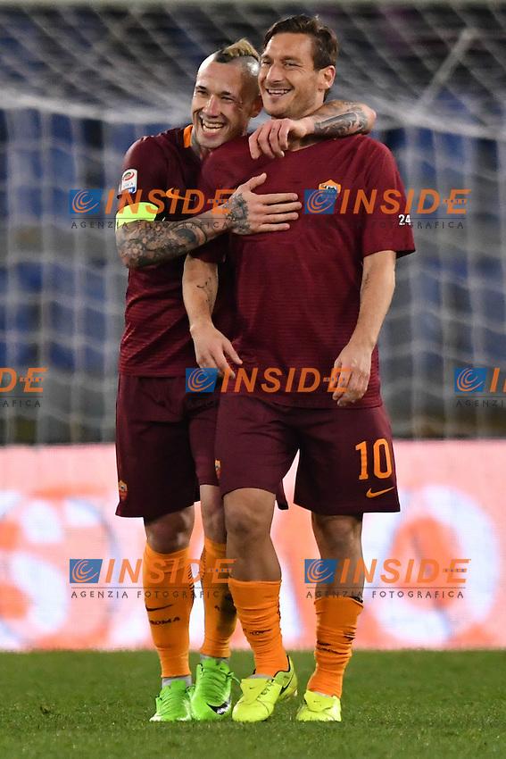 Esultanza dopo il gol di Radja Nainggolan Roma, con Totti. Goal celebration.<br /> Roma 19-02-2017  Stadio Olimpico<br /> Campionato Serie A, <br /> AS Roma - Torino<br /> Foto Antonietta Baldassarre / Insidefoto