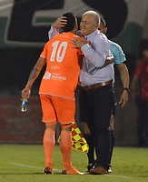 ENVIGADO- COLOMBIA, 30-04-2019: Alexis Zapata jugador del Envigado celebra después de anotar un gol al Atlético Nacional durante partido por la fecha 19 de la Liga Águila I 2019 jugado en el estadio Polideportivo Sur de la ciudad de Medellín. /Alexis Zapata player of Envigado celebrates after scoring a goal agaisnt of Atletico Nacional  during the match for the date 19 of the Liga Aguila I 2019 played at Polideportivo Sur stadium in Medellin  city. Photo: VizzorImage / Leon Monsalve/ Contribuidor