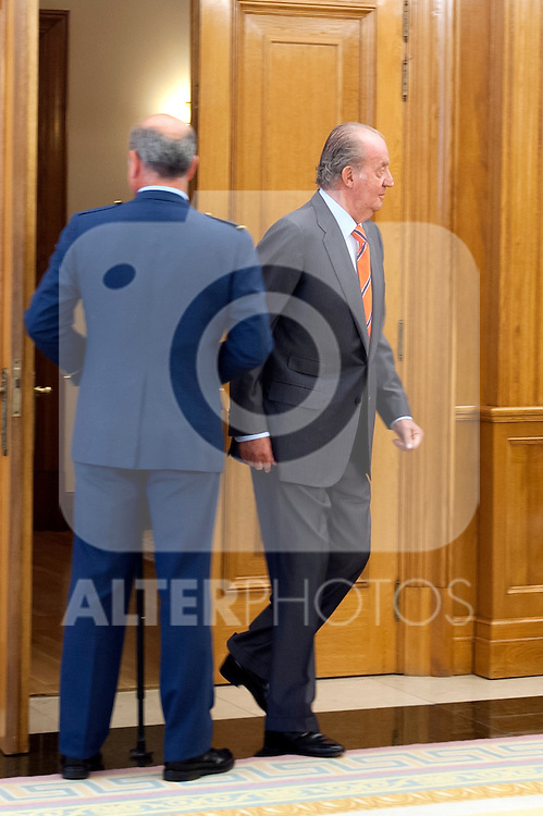 King Juan Carlos I of Spain receives in audience the governing board of the Royal Academy of the sea..(Alterphotos/Ricky)
