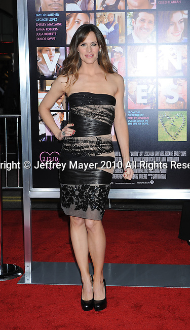 """HOLLYWOOD, CA. - February 08: Jennifer Garner arrives at the """"Valentine's Day"""" Los Angeles Premiere at Grauman's Chinese Theatre on February 8, 2010 in Hollywood, California."""
