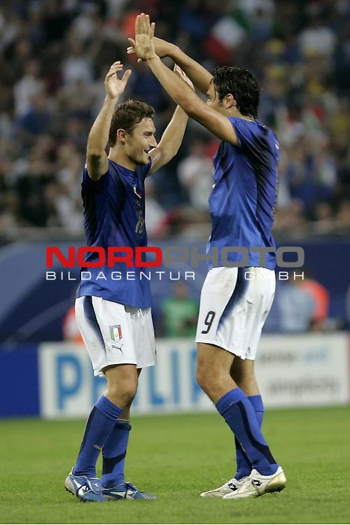 FIFA WM 2006 -  Viertelfinale <br /> Play    #58 (26-Jun) - Italien - Ukraine<br /> <br /> Jubel TONI Luca und TOTTI Francesco<br /> <br /> Foto &copy; nordphoto
