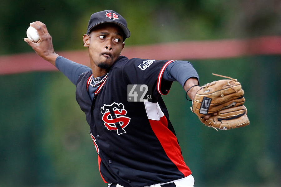 14 July 2011: Starting pitcher Luis De La Rosa pitches against Rouen during the 2011 Challenge de France match won 15-0 by the Rouen Huskies over the Stade Toulousain at Stade Pierre Rolland, in Rouen, France.