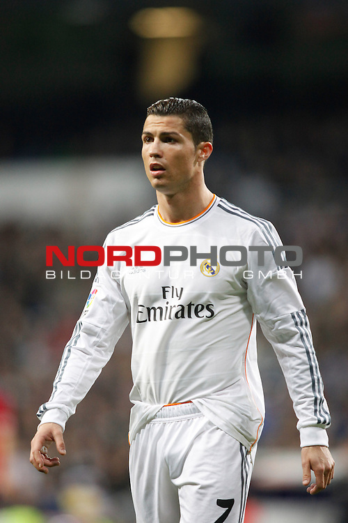 Real Madrid¬¥s Cristiano Ronaldo during a Spain King Cup soccer match between Real Madrid and Osasuna at Santiago Bernabeu Stadium in Madrid, Spain. January 09, 2014. Foto © nph / Caro Marin)