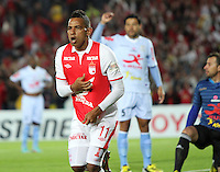 BOGOTA - COLOMBIA - 16 -04-2013: Wilder Medina   de Santa Fe  de Colombia celebra el gol contra  Real Garcilaso del Perú , durante partido en el estadio Nemesio Camacho El CampÌn de la ciudad de Bogotá, partido por el grupo  6 de la Copa Bridgestone Libertadores 2013, abril 16 de 2013.  (Foto: VizzorImage / Felipe Caicedo / Staff) .BOGOTA - COLOMBIA - 16 -04-2013: Wilder Medina of Santa Fe of Colombia celebrates goal against Real Garcilaso of Peru during game at the stadium Nemesio Camacho El Campin in Bogota, Group 6 match for Bridgestone Cup Libertadores 2013, April 16, 2013. (Photo: VizzorImage / Felipe Caicedo / Staff)