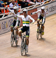 CALI - COLOMBIA - 26-02-2014: El equipo de Australia celebra durante final de Persecucion por Equipos masculino en el Velodromo Alcides Nieto Patiño, sede del Campeonato Mundial UCI de Ciclismo Pista 2014. / The Australia team celebrate during the final of the test of the Men´s Team Persuit at the Alcides Nieto Patiño Velodrome, home of the 2014 UCI Track Cycling World Championships. Photos: VizzorImage / Juan C Quintero/ Str.