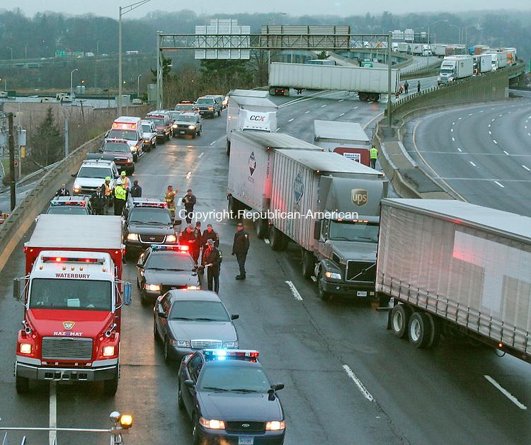 I-84 CRASH | Republican American Photos