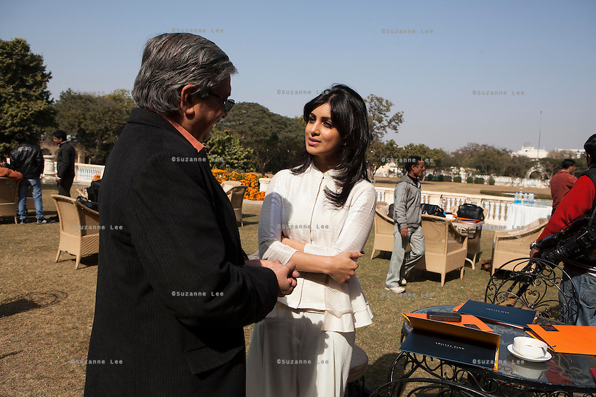 (R-L) Yunus Khimani (of the Jaipur Palace) and Pallavi Sharda (OzFest ambassador) share a light conversation during lunch after a press conference on Oz Fest in Raj Mahal Palace hotel, Jaipur, India on 10th January 2013. Photo by Suzanne Lee/DFAT