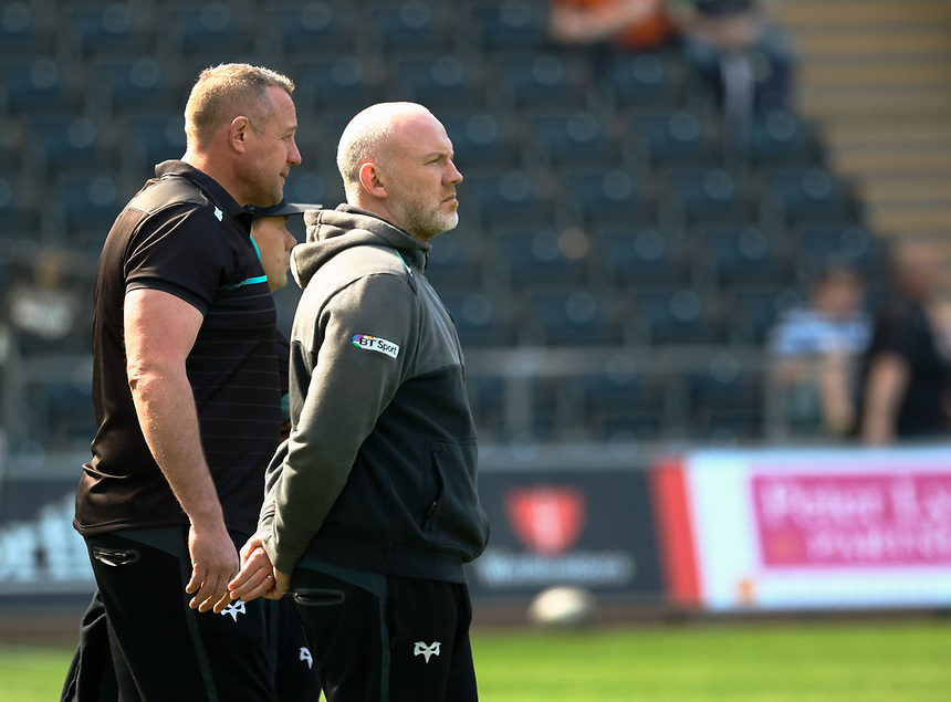 Ospreys' Head Coach Steve Tandy with Forwards Coach Chris Gibbes during the pre match warm up<br /> <br /> Photographer Simon King/CameraSport<br /> <br /> Guinness PRO12 Round 19 - Ospreys v Leinster Rugby - Saturday 8th April 2017 - Liberty Stadium - Swansea<br /> <br /> World Copyright &copy; 2017 CameraSport. All rights reserved. 43 Linden Ave. Countesthorpe. Leicester. England. LE8 5PG - Tel: +44 (0) 116 277 4147 - admin@camerasport.com - www.camerasport.com