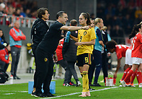 20181009 – BIEL BIENNE , SWITZERLAND : Belgian head coach Ives Serneels pictured talking to Belgian Tessa Wullaertduring the female soccer game between Switzerland and the Belgian Red Flames , the second leg in the semi finals play offs for qualification for the World Championship in France 2019 ; the first leg ended in equality 2-2 ;  Tuesday 9 th october 2018 at The Tissot Arena  in BIEL BIENNE , Switzerland . PHOTO SPORTPIX.BE | DAVID CATRY