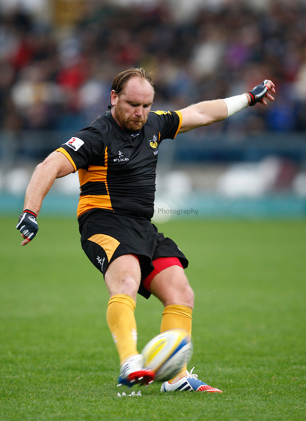 Photo: Richard Lane/Richard Lane Photography. London Wasps v London Irish. Pre Season Friendly. 24/08/2013. Wasps' Andy Goode kicks.