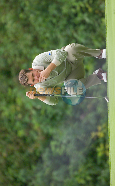 Lee Westwood lines up his putt on the 17th green during the Morning Fourball on Day1 of the 2006 Ryder Cup at The K Club 21st September 2006.(Photo Eoin Clarke/Newsfile)