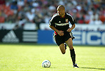 24 April 2004: Earnie Stewart on the attack in the first half. The Chicago Fire defeated DC United 1-0 at RFK Stadium in Washington, DC on opening day of the regular season in a Major League Soccer game..