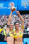 26.08.2017, Hamburg, Stadion Am Rothenbaum<br />Beachvolleyball, World Tour Finals<br /><br />Laura Ludwig (#1 GER) und Kira Walkenhorst (#2 GER) mit Pokal / Trophy<br /><br />  Foto © nordphoto / Kurth