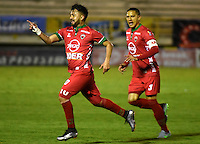 TUNJA -COLOMBIA, 27-08-2016. Juan Sebastian Villota (Izq) jugador de Patriotas FC celebra un gol anotado a Boyacá Chicó FC durante partido por la fecha 10 de la Liga Águila II 2016realizado en el estadio La Independencia de Tunja./ Juan Sebastian Villota (L) player of Patriotas FC celebrates a goal against Boyaca Chico FC during match for the date 10 of Aguila League II 2016 played at La Independencia stadium in Tunja. Photo: VizzorImage/César Melgarejo/Cont