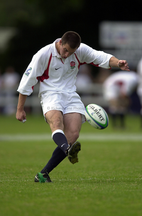 Photo: Richard Lane..France U21 v England U21. IRB Under U21 Rugby World Cup 2003 at Henley RFC. 21/06/2003..Ed Thrower kicks.