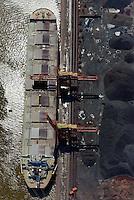 Hansaport im Hafen Hamburg: EUROPA, DEUTSCHLAND, HAMBURG, (EUROPE, GERMANY), 25.06.2011 Verladung und Lagerung von Schuettgut, Eisenerz und Kohle, Spezialschiff, Schiff, Handelsschiff