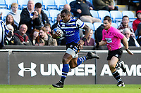 Semesa Rokoduguni of Bath Rugby runs in a try. Heineken Champions Cup match, between Wasps and Bath Rugby on October 20, 2018 at the Ricoh Arena in Coventry, England. Photo by: Patrick Khachfe / Onside Images