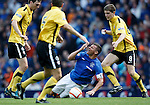 Lee McCulloch has a stumble