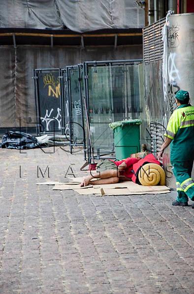 Morador de rua no vão do Masp, São Paulo - SP, 05/2014.