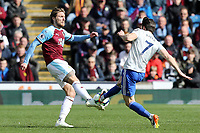 Burnley's Jeff Hendrick vies for possession with Cardiff City's Harry Arter<br /> <br /> Photographer Rich Linley/CameraSport<br /> <br /> The Premier League - Saturday 13th April 2019 - Burnley v Cardiff City - Turf Moor - Burnley<br /> <br /> World Copyright © 2019 CameraSport. All rights reserved. 43 Linden Ave. Countesthorpe. Leicester. England. LE8 5PG - Tel: +44 (0) 116 277 4147 - admin@camerasport.com - www.camerasport.com